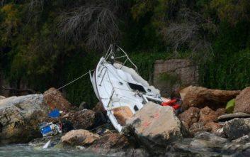 Εικόνες από το πέρασμα του κυκλώνα από τη Βουλιαγμένη