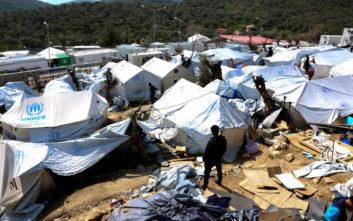 Deutsche Welle: Το πρόβλημα στα ελληνικά hot spots σε αριθμούς