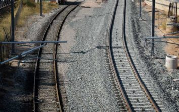 Τρένο ακινητοποιήθηκε μετά από σύγκρουση με ζώο πριν το σταθμό του Βόλου
