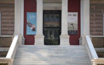 Ποινή φυλάκισης στις δυο γυναίκες που βανδάλιζαν εκθέματα σε μουσεία
