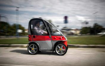 Παρουσιάστηκαν τα πρώτα τρία ηλεκτρικά οχήματα στα Τρίκαλα