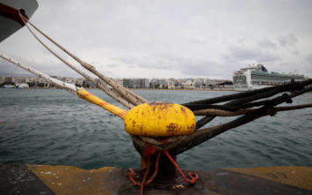 Δεμένα τα πλοία στη γραμμή Κυλλήνη- Ζάκυνθος - Κεφαλονιά