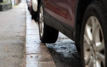 Έφαγε κλήση στη θέση πάρκινγκ του γιατί το πίσω λάστιχο… πατούσε το πεζοδρόμιο