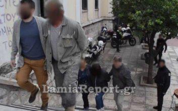 Στα δικαστήρια Λαμίας οι φερόμενοι δράστες του φονικού στην Αρκίτσα