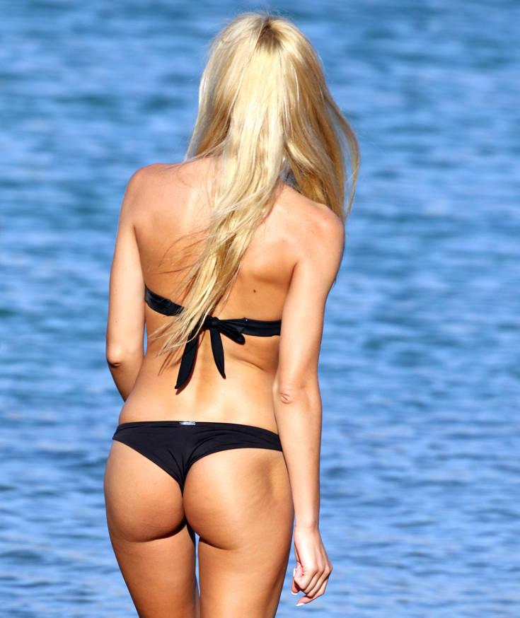 Η Τζούλια Νόβα αναστατώνει το καλοκαίρι σας – Newsbeast