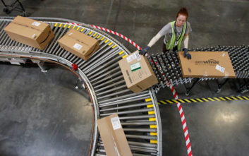 Με αυτόν τον τρόπο αποτρέπει η Amazon τις εσωτερικές κλοπές στα δέματά της