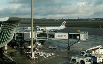 Εισβολή με αυτοκίνητο στην πίστα αεροδρομίου στη Γαλλία