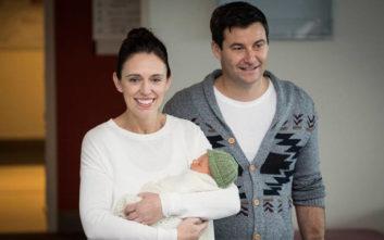 Η πρωθυπουργός της Νέας Ζηλανδίας με την 3 μηνών κόρη της στον ΟΗΕ ... 5a968ae9271