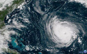 Με έντονες βροχές περνά από την Κούβα ο τυφώνας Μάικλ