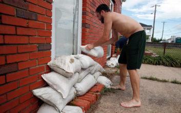 Νέα προειδοποίηση στις ΗΠΑ για τον επικίνδυνο και σφοδρό τυφώνα Φλόρενς