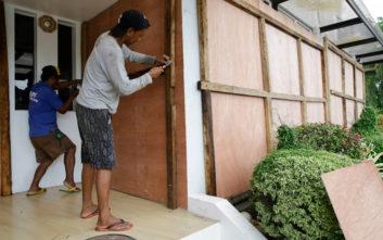 Ο τυφώνας «Καμούρι» απειλεί τις Φιλιππίνες