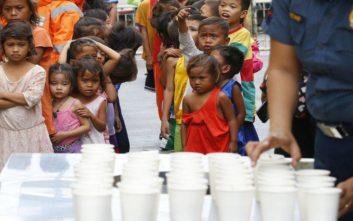 Ο υπερτυφώνας Μανγκούτ χτυπά με μανία τις Φιλιππίνες