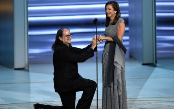 Η ανατρεπτική πρόταση γάμου στη σκηνή των βραβείων Emmy