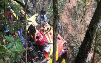 «Επιδημία» πολύνεκρων τροχαίων με λεωφορεία στον Ισημερινό