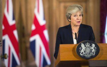 «Ναι» στο σχέδιο συμφωνίας για το Brexit είπε το υπουργικό συμβούλιο της Μέι