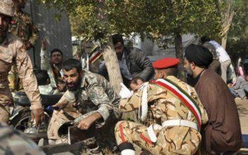 Ο ιρανικός στρατός υποστηρίζει ότι οι δράστες συνδέονται με τις ΗΠΑ και το Ισραήλ