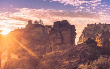 Μαγικές φωτογραφίες από ηλιοβασίλεμα στα Μετέωρα