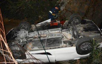 Αυτοκίνητο αναποδογύρισε στο φαράγγι του Θερίσου