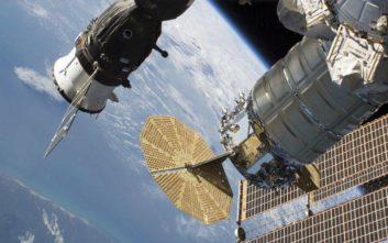 «Η μικρορωγμή στο διαστημόπλοιο Soyuz-MC9 δεν προκλήθηκε από μετεωρίτη»