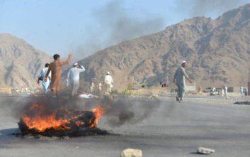 Έκρηξη παγιδευμένου με εκρηκτικά αυτοκινήτου στο Αφγανιστάν
