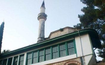 Κατέρρευσε η κορυφή του μιναρέ στο Ασλάν Τζαμί από τους θυελλώδεις ανέμους