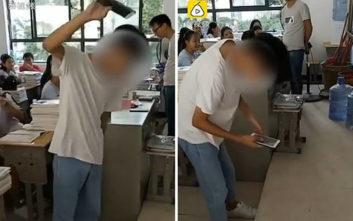Καθηγητής βάζει τους μαθητές να… σπάσουν τα κινητά τους
