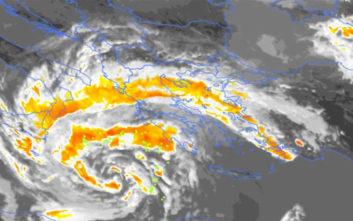 Δορυφορικές εικόνες από τη δημιουργία του μεσογειακού κυκλώνα «Ξενοφών»