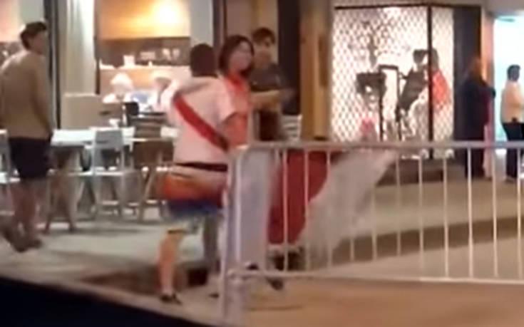 Άνδρας οπαδός επιτίθεται με γροθιά σε γυναίκα