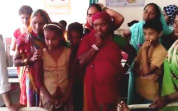 Μωρό με τέσσερα πόδια και δύο πέη γεννιέται στην Ινδία