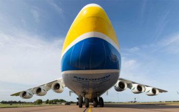 Δείτε την επικών προδιαγραφών απογείωση του μεγαλύτερου αεροσκάφους του κόσμου