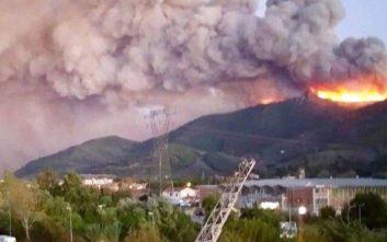 Μεγάλη φωτιά στην Τοσκάνη, εκατοντάδες απομακρύνθηκαν από τα σπίτια τους