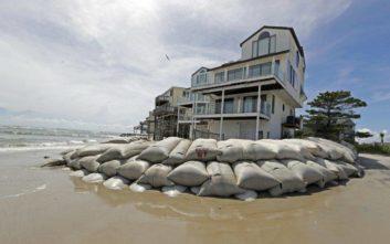 Όλο και πιο κοντά στις αμερικανικές ακτές ο τυφώνας Φλόρενς