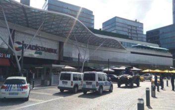Ένοπλος εισέβαλε σε εμπορικό κέντρο στην Κωνσταντινούπολη