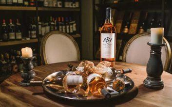 Ανακαλύψτε τον εκπληκτικό κόσμο του κρασιού στην Cava Vegera Wine Bar στη Βούλα