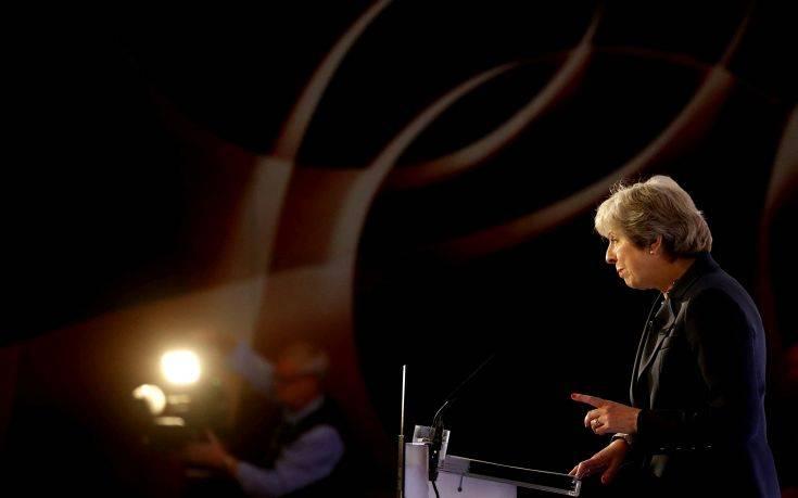 Μέι για Brexit: Δεν υπάρχει εναλλακτικό σχέδιο στο τραπέζι