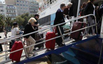 Αυξημένη και σήμερα η κίνηση στα λιμάνια μετά τη λήξη της απεργίας της ΠΝΟ