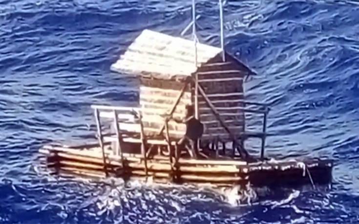 Η στιγμή της διάσωσης του 19χρονου που έπλεε επτά εβδομάδες στον Ειρηνικό