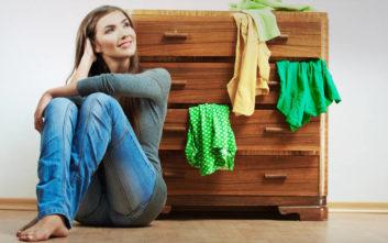 Κάντε το μάζεμα των καλοκαιρινών ρούχων να μοιάζει… παιχνιδάκι