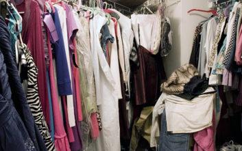 Αν η ντουλάπα σας είναι πηγμένη στα ρούχα, μπορεί να πάσχετε από ψυχολογική διαταραχή