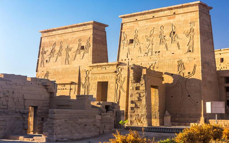 Η ιστορική πόλη στην ανατολική όχθη του Νείλου