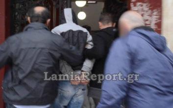 Στα δικαστήρια ο 38χρονος που μαχαίρωσε την 25χρονη στη Λαμία