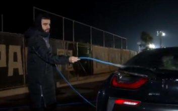 Ο Γιώργος Σαββίδης έπλυνε τα αυτοκίνητα των παικτών του ΠΑΟΚ