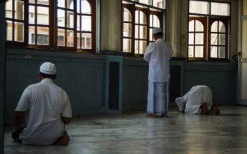Μουσουλμάνοι ανακάλυψαν ότι προσεύχονταν σε λάθος κατεύθυνση για 37 χρόνια