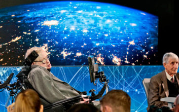 O Stephen Hawking προειδοποιεί σε ηχογραφημένο μήνυμα πριν πεθάνει