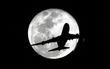 Αεροπλάνο απογειώθηκε το 2019 και προσγειώθηκε το 2018