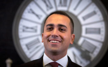Ντι Μάιο: Είμαστε το μόνο εμπόδιο στο να γίνει υπουργός ο Μπερλουσκόνι