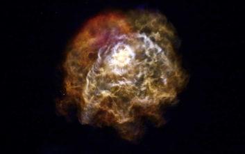Φαντασμαγορικό σόου στον νυχτερινό ουρανό από την εκτόξευση του πυραύλου της SpaceX