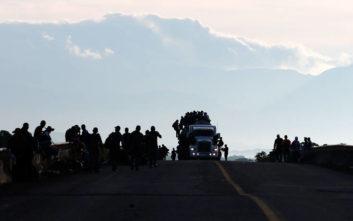 Περίπου 1.500 μετανάστες από το Ελ Σαλβαδόρ μπήκαν στο Μεξικό με προορισμό τις ΗΠΑ