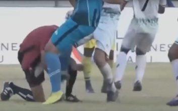 Ποδοσφαιριστές πήραν στο κυνήγι τον διαιτητή για ένα πέναλτι