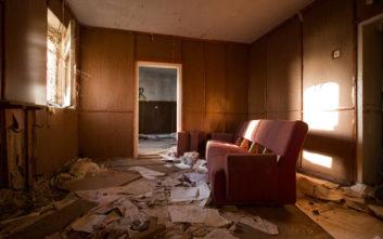 Προσέλαβαν εργάτες να καθαρίσουν ένα σπίτι, βρήκαν κρυμμένο «ροζ» θησαυρό